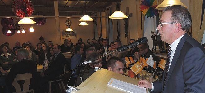 Stadtrat Alfons Gigl referierte über die von der FW-Fraktion im Stadtrat geleistete Arbeit